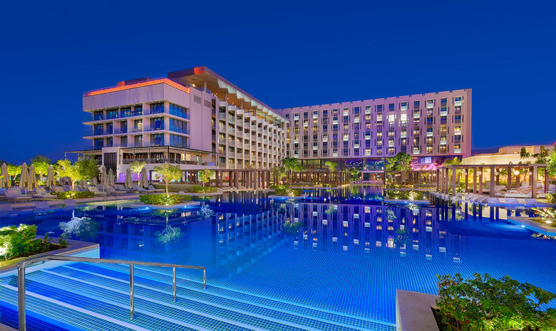 W Muscat reveals line-up of summer deals and events