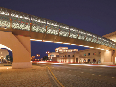Royal Opera House opens new pedestrian bridge