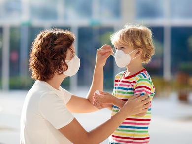 Oman residents must now wear face masks in public