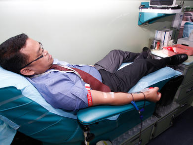 Oman issues call for blood donations