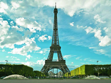 Oman planning to build iconic landmark like the Eiffel Tower